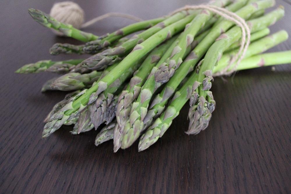 ricetta con gli asparagi tortino di asparagi con salsa alla curcuma prodotto