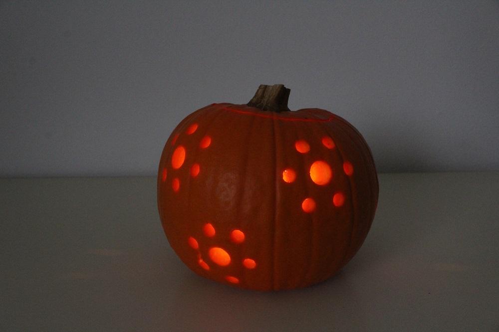 come realizzare una lanternea con la zucca di Halloween