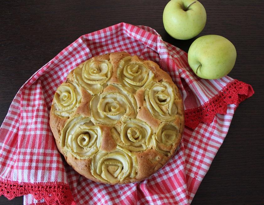 merosa la torta di mele a forma di rose