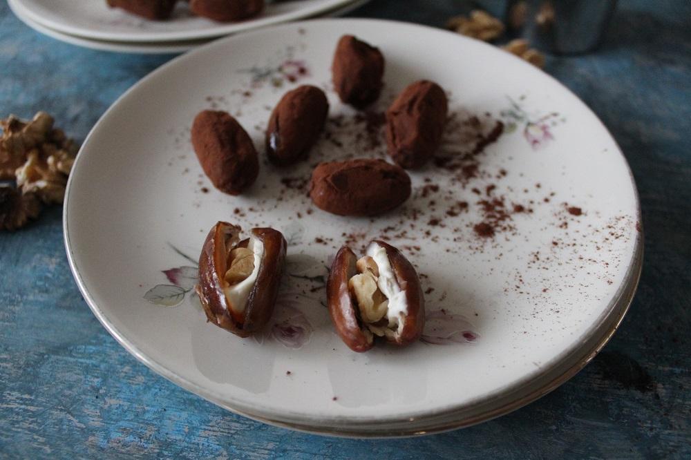 cioccolato datteri farciti con mascarpone e noci