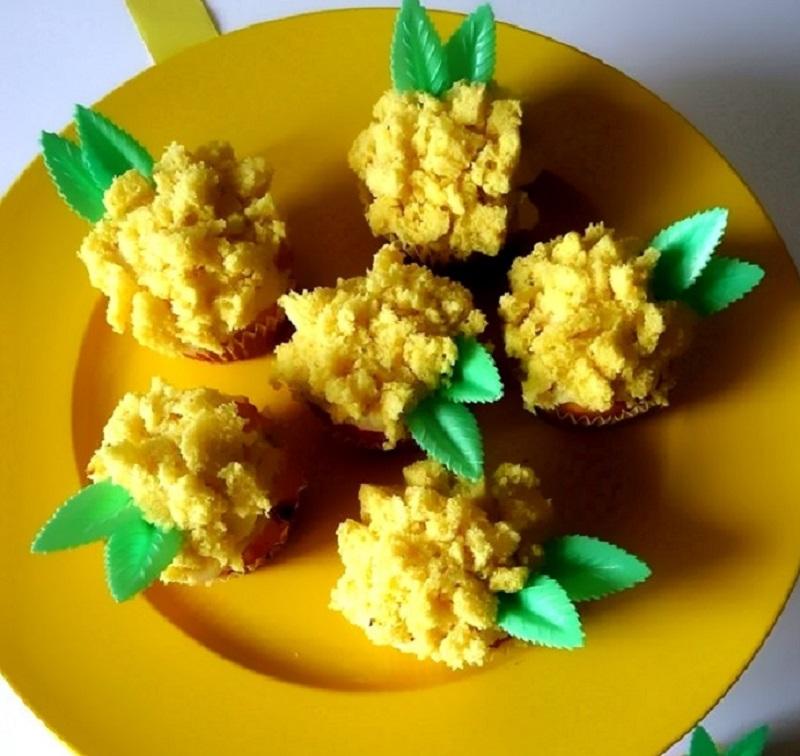 torta mimosa monoporzioni primo piano