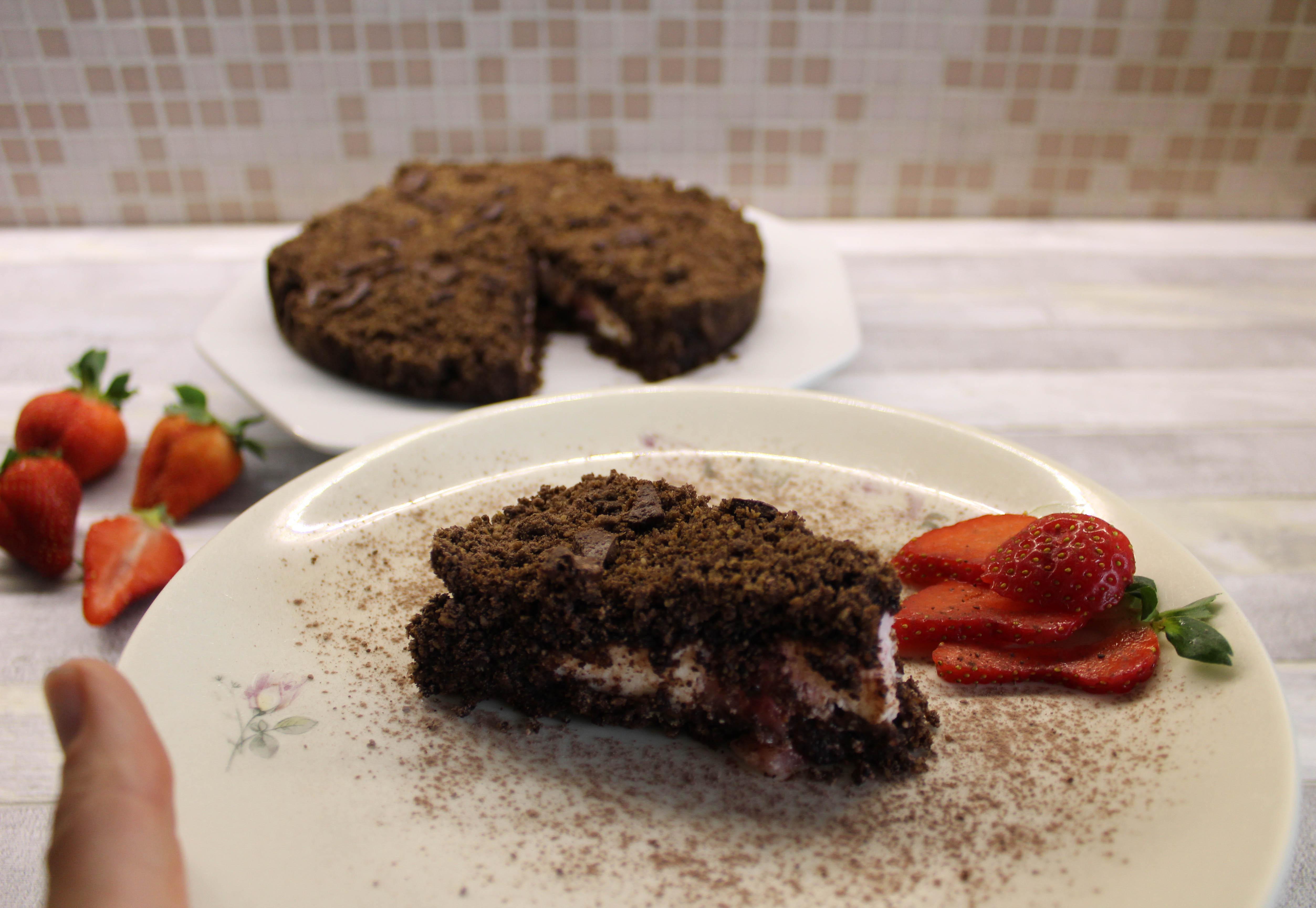 torta sbriciolata ricotta fragole e cacao assaggio