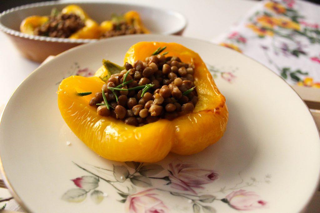 cosa si mangia in estate peperoni ripieni con lenticchie