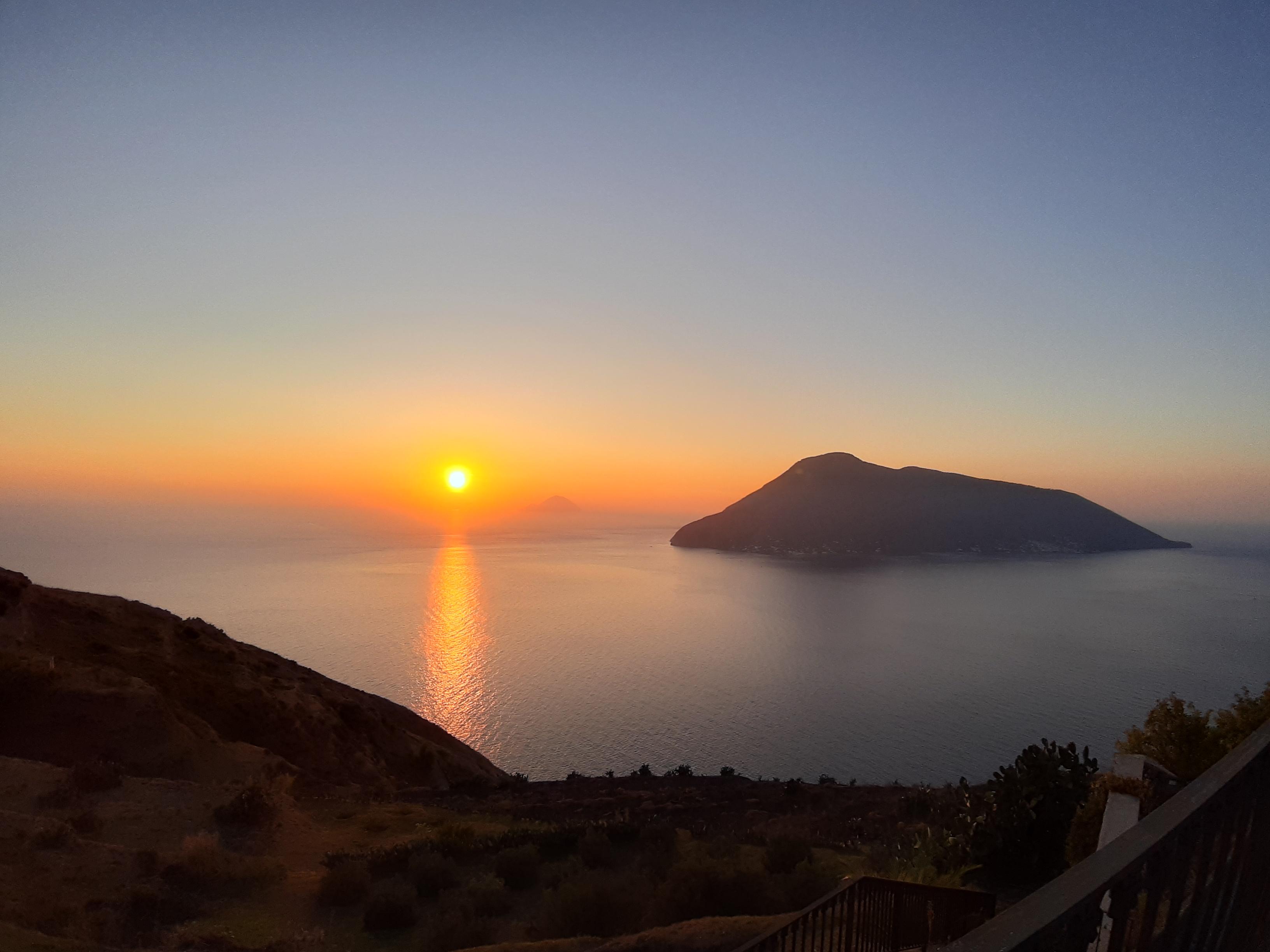 Tramonto isola di Lipari