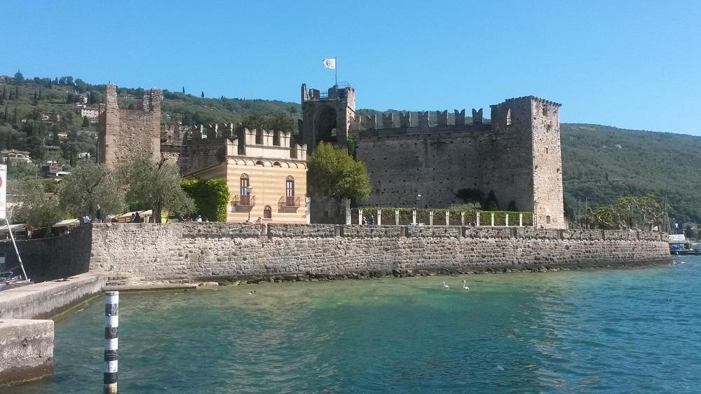 Castello di Torri del Benaco cosa vedere sul lago di Garda