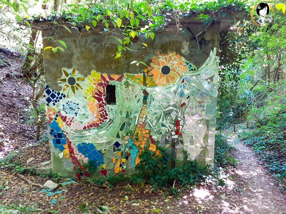 casetta nel bosco sul sentiero che da Gargagnago porta a S. Giorgio Ingannapoltron.