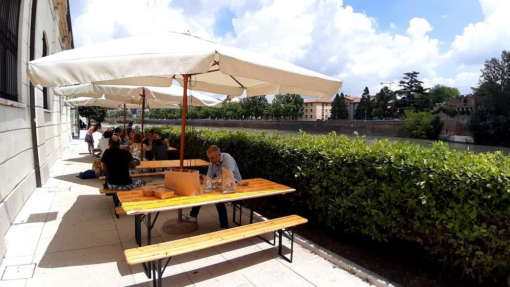 area esterna mercato coperto Verona